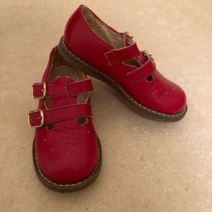 FootMates T-Strap May Janes
